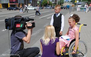 фото 06 танцы на инвалидных колясках