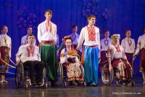 фото 07 танцы на инвалидных колясках