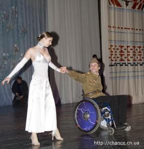 фото 11 танцы на инвалидных колясках